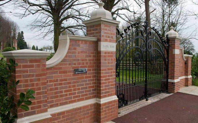 Driveway Gates | Homebuilding & Renovating